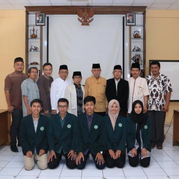 Lima Mahasiswa Unisnu Ikuti Program Pertukaran Mahasiswa ke Brunei Darussalam