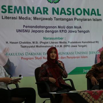 Acara Dakwah Televisi Jadi Sorotan dalam Seminar Literasi Unisnu