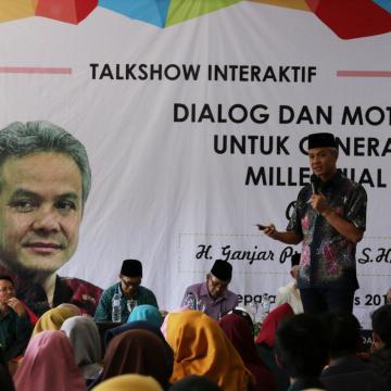 Dialog Lintas Generasi Ganjar Pranowo dan Mahasiswa Unisnu