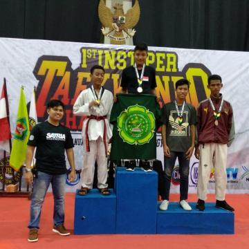 Kontingen Taekwondo Unisnu Raih 1 Emas dan 4 Perunggu di Yogyakarta