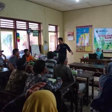 Mahasiswa KKN Unisnu Desa Semat adakan Sosialisasi dan Pelatihan Bank Sampah