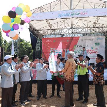 Tampilkan Potensi Desa, Unisnu Gelar Expo KKN dan Jalan Sehat