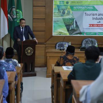 Duta Besar Kamboja Sampaikan Kuliah di Unisnu Jepara