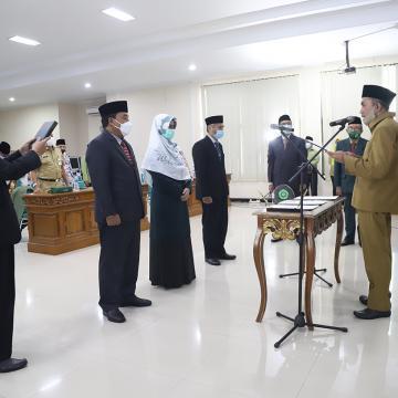 Pelantikan Wakil Rektor Unisnu Jepara Masa Jabatan 2021-2025