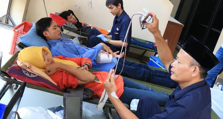 Peringati Hari lahir, Unisnu Gelar Donor Darah