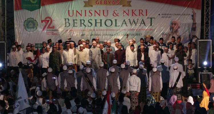 UNISNU dan NKRI Bersholawat bersama Habib Bidin