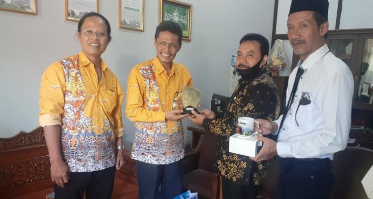 Rawat Sinergi, Prodi DKV Unisnu Jalin Kerja Sama Dengan Jurusan Seni Rupa Unnes