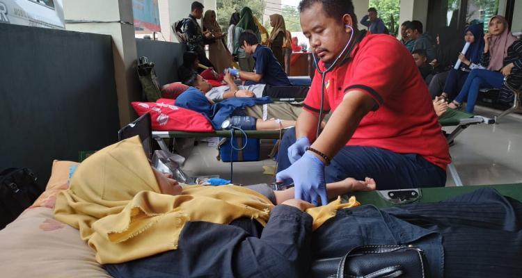 KSR PMI Unisnu Berbagi Melalui Donor Darah