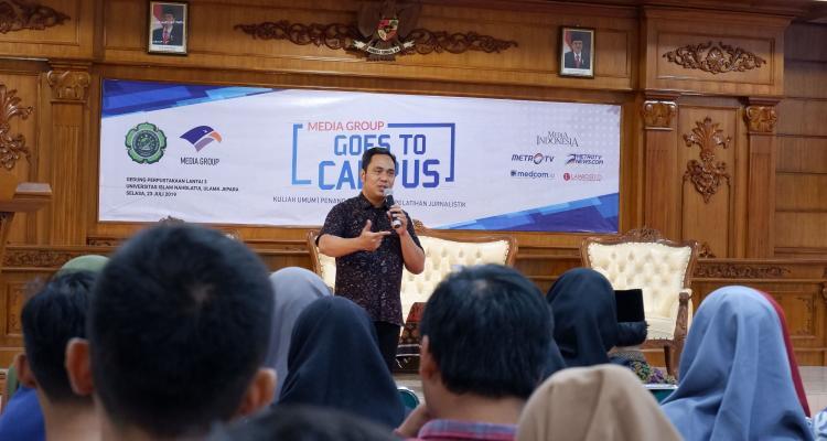 Media Grup Goes to Campus; News Anchor Harus Pede dan Berwawasan Luas