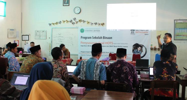 Prodi PGSD Unisnu Adakan Pelatihan HOTS bagi Guru SD