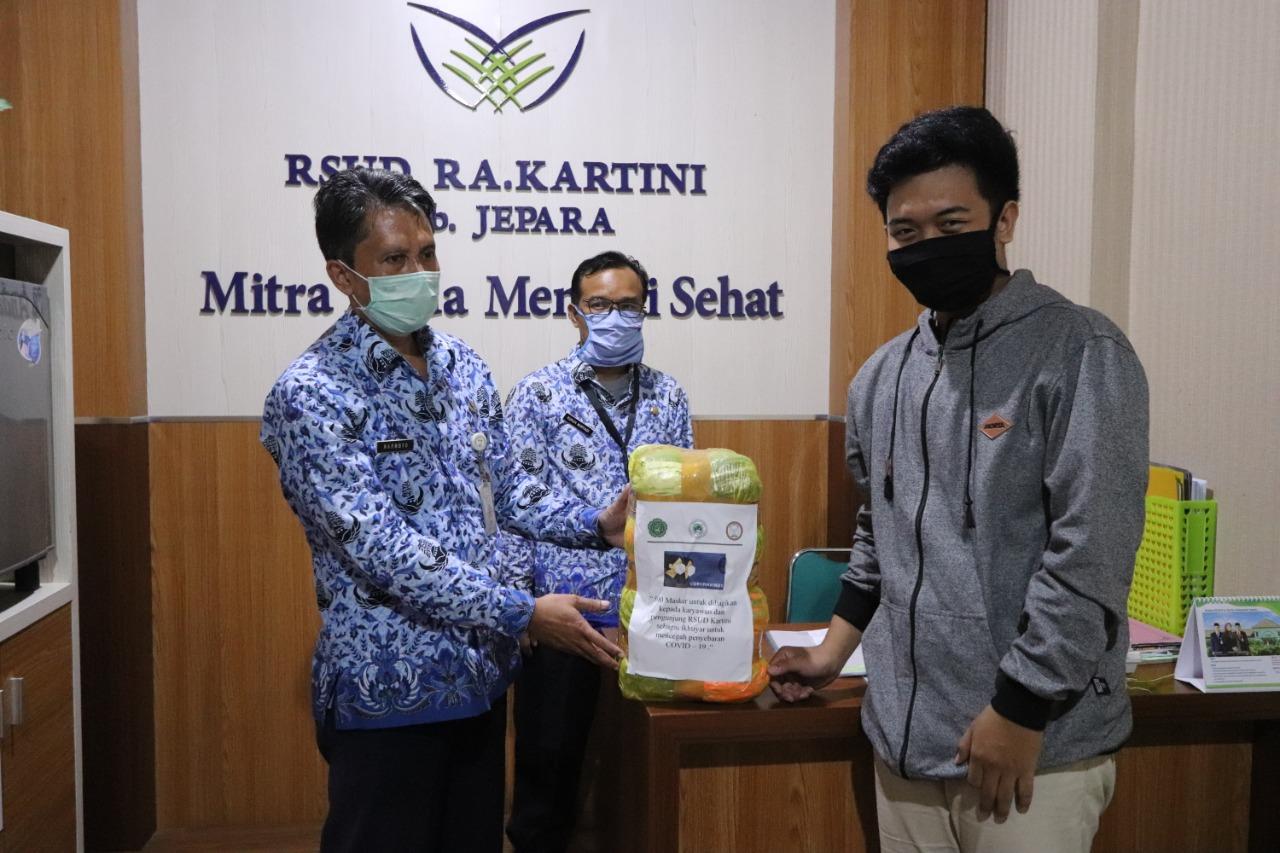 Penyerahan Donasi Masker dari BEM Unisnu Jepara kepada RSUD RA Kartini Jepara
